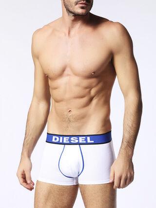 D, Blanc/bleu