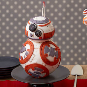 Star Wars™ BB8 Cake